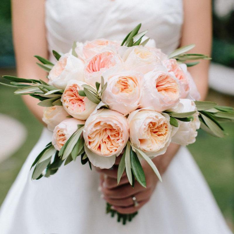 Роскошный свадебный букет из пионовидных роз спб, букет